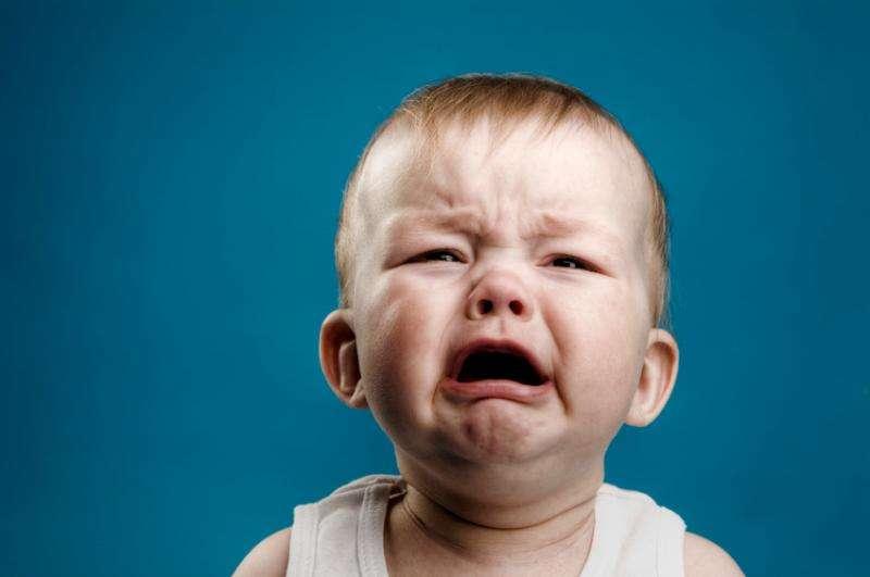 ребенок плачет при испражнении