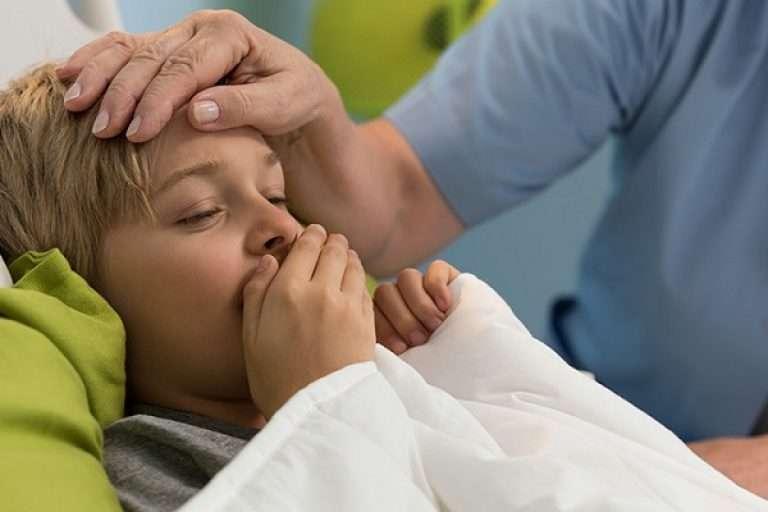Признаки и симптомы коклюша у первенца