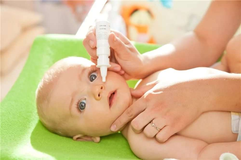 Как вылечить простуду и насморк у грудных детей