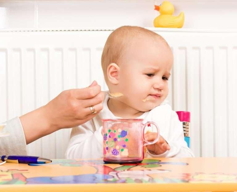 Ребёнок 4 месяца плохо ест комаровский